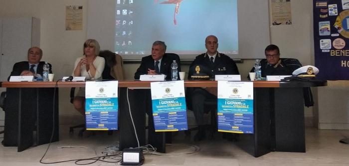 """""""I Giovani e la Sicurezza stradale"""" la manifestazione dei Lions Club presso il Liceo Classico P.Giannone di Benevento"""
