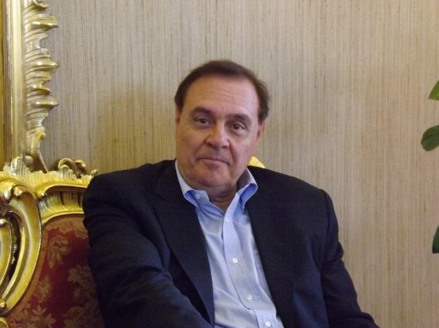 Il sindaco Mastella rivolge un messaggio di saluto al direttore della Trotta Bus