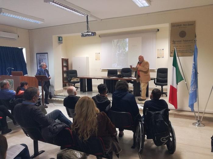 Maurizio Cambi al Liceo Giannone interviene su Montaigne