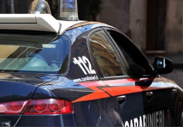 I Carabinieri arrestano 5 persone per riciclaggio di autovetture