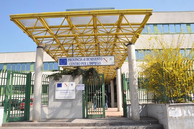 Le Province chiedono che la Regione acquisti o paghi il fitto degli edifici che ospitano i Centri per l'Impiego