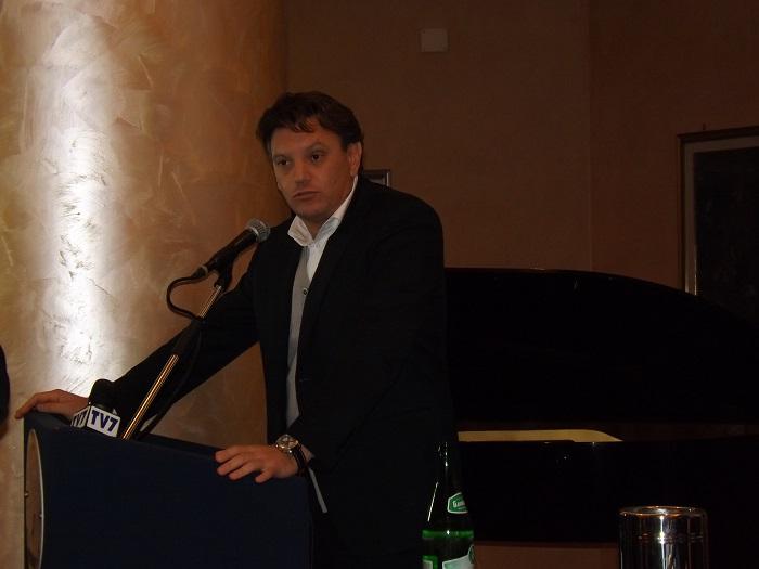 """Raffaele Del Vecchio annuncia la sua candidatura: """"A schiena dritta, con Vincenzo De Luca"""""""