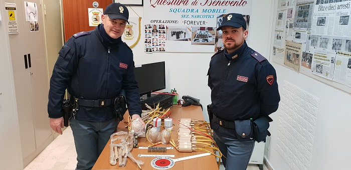 Benevento. Artifici pirotecnici e munizioni sequestrati dalla Polizia