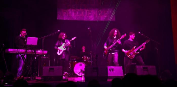 """Benevento: la Band """"La Stazione delle Frequenze"""" lancia l'album Physis.Grande successo di pubblico."""