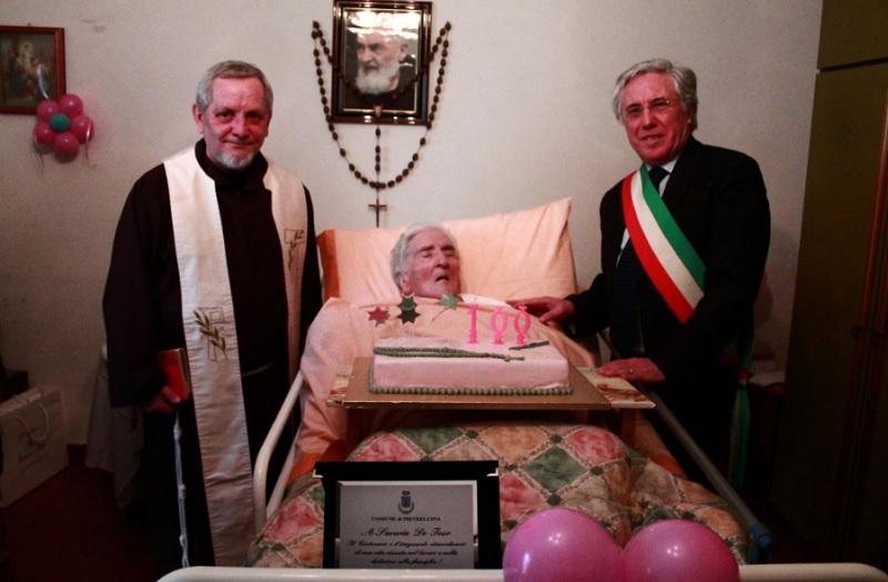 100 anni: il portentoso traguardo della signora Saveria De Ieso.