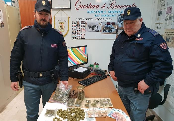 Pietrelcina: deteneva marijuana in casa.Giovane pusher arrestato dalla Polizia.