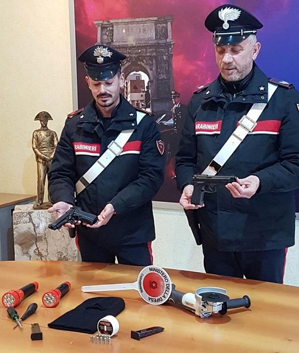 Apice (BN): subito dopo il furto arrestati dai Carabinieri.
