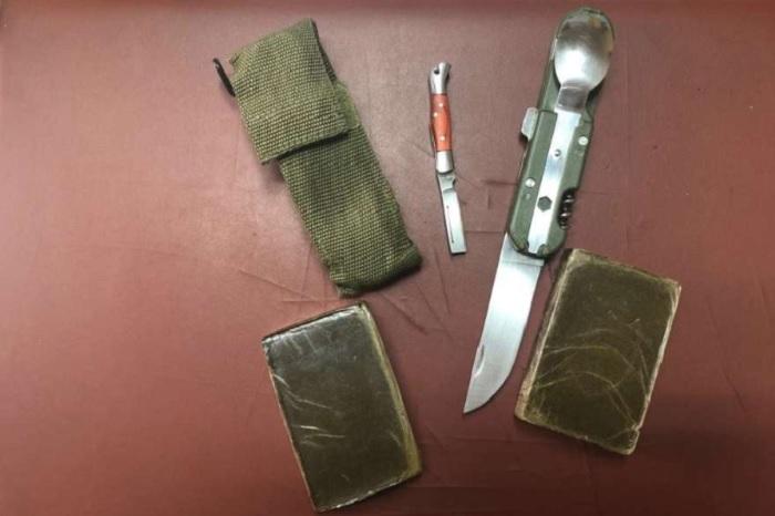 Frasso Telesino: 55enne in manette.Viaggiava in auto con hashish e coltelli.