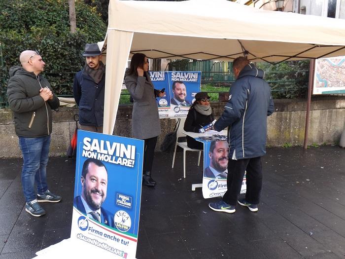 Benevento. Lega in piazza pro Salvini, un successo scontato