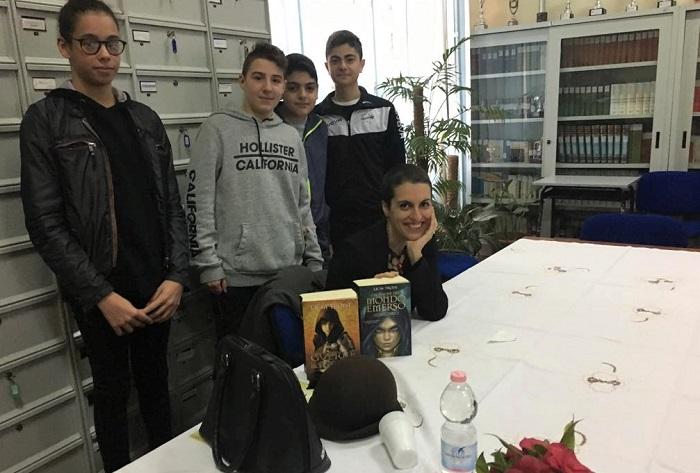 Benevento, scuola Federico Torre. Licia Troisi incontra gli studenti