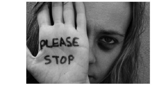 Violenza sulle donne, la campagna di sensibilizzazione  degli studenti dell'Istituto Alberti di Benevento.