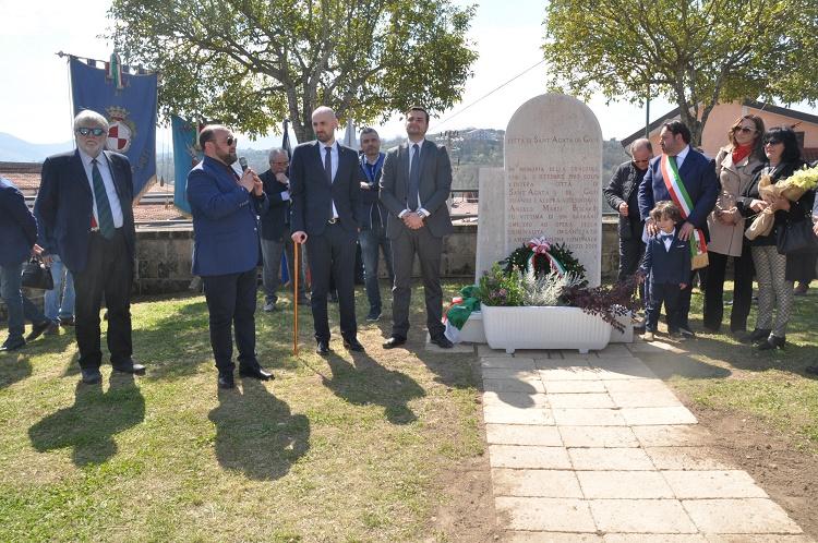 Sant'Agata de' Goti. Cerimonia in onore di Angelo Mario Biscardi, vittima della camorra