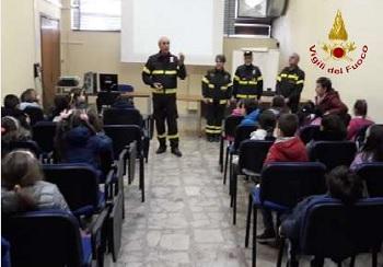 Sicurezza, Legalità e Ambiente: I Vigili del Fuoco di Benevento, incontrano le scuole.