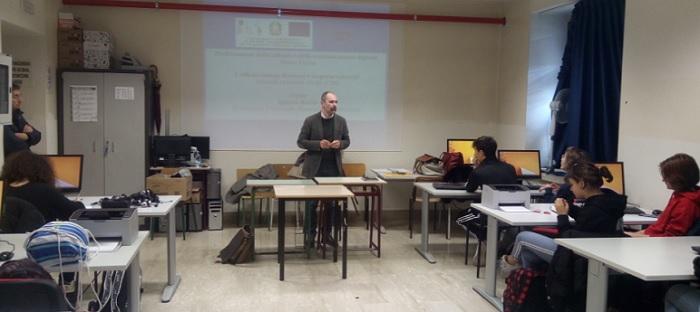 """Al Liceo Classico P.Giannone il quarto incontro del progetto: """"Professionisti della cultura e della comunicazione digitale"""""""
