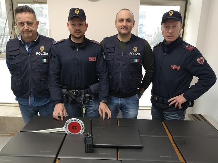 Benevento: 13 computer rubati all'Istituto Alberghiero recuperati dalla Polizia