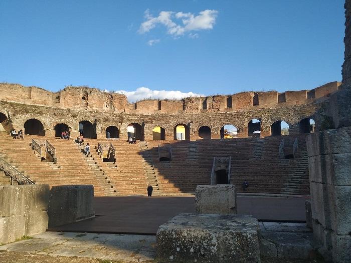 """Una grande festa per bambini. Al Teatro Romano il 13 Ottobre Giornata Nazionale delle """"Famiglie al Museo"""""""