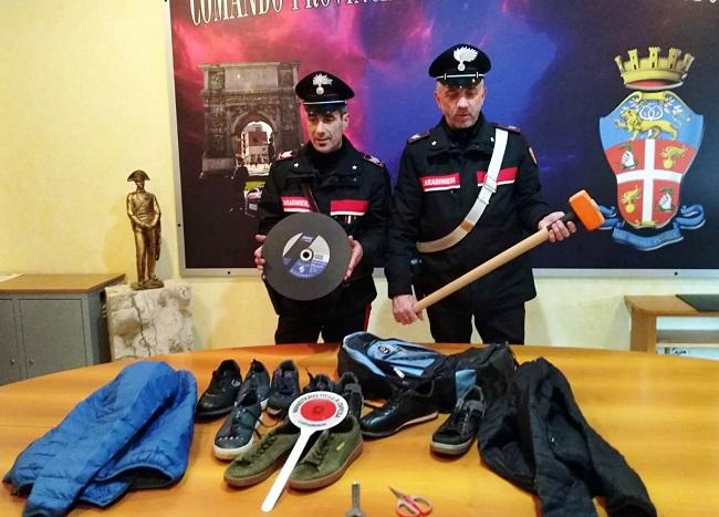 """Benevento. Ritentano colpo alla gioielleria del centro """"Buonvento"""".Arrestati due Rumeni."""