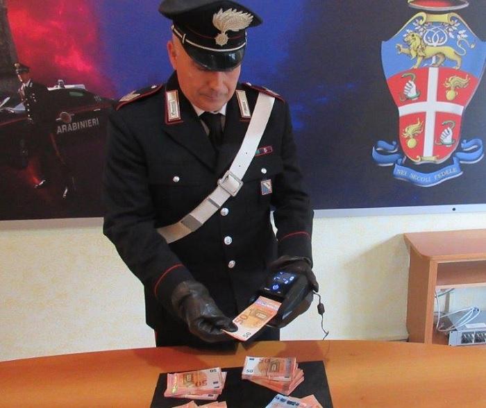 Benevento: dal nord con 20mila euro falsi ed una macchina rilevatrice per banconote contraffatte.Due arresti.