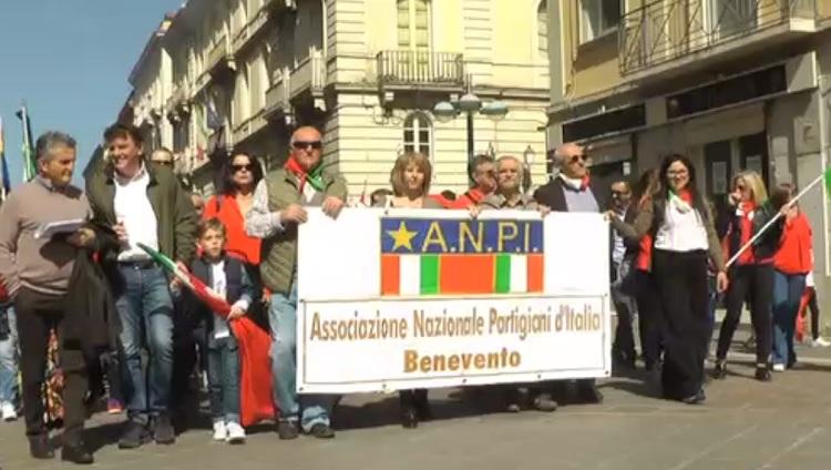 Celebrazione del 25 Aprile. Corteo per il Corso Garibaldi