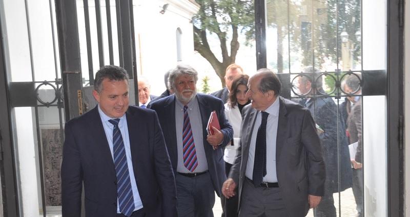 Il Presidente della Corte Costituzionale firma il Registro degli Ospiti d'Onore della Provincia di Benevento.