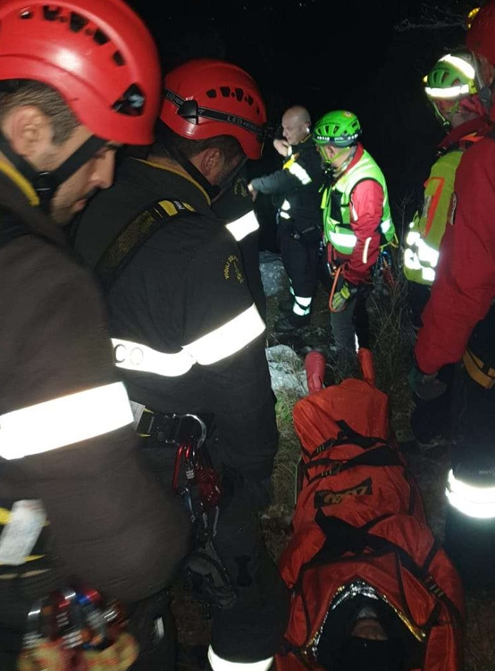 Benevento: I Vigili del Fuoco soccorrono 5 Ragazzi dispersi sul monte Nutria a Pietraroia.