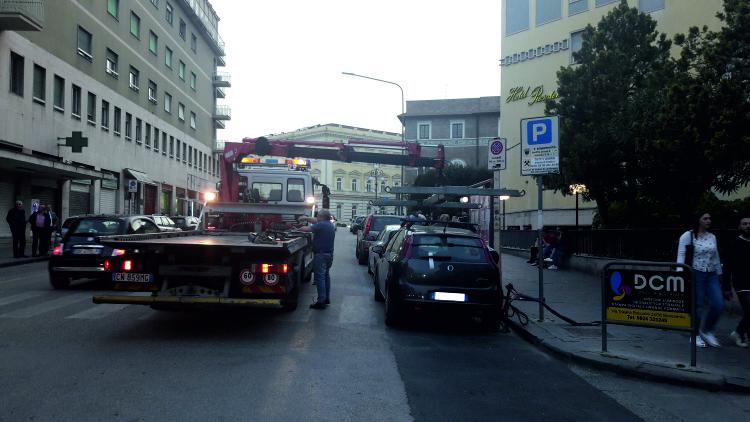 Benevento. Continuano i controlli della Polizia Municipale per evitare la sosta vietata