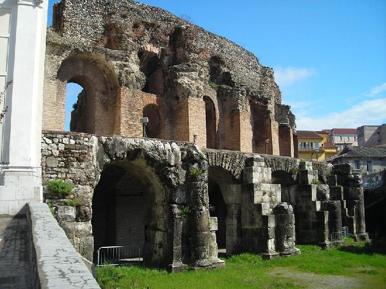 Teatro Romano di Benevento Aperitivo in musica maggio