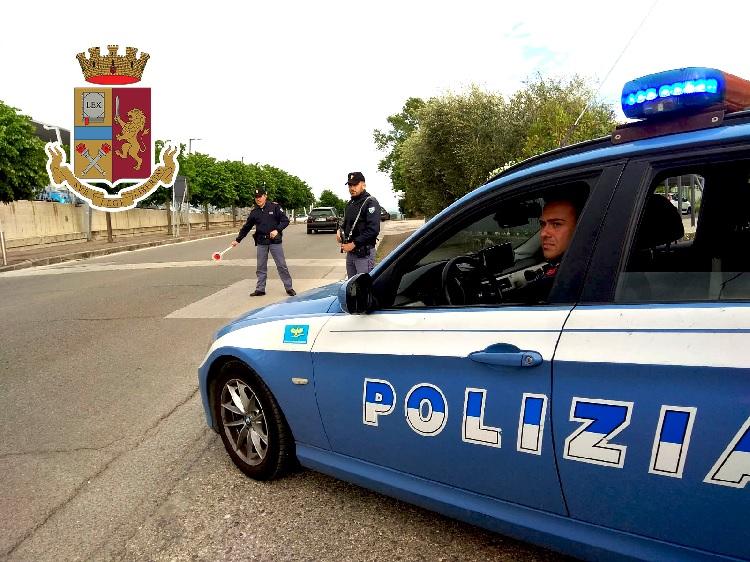 Amorosi: donna arrestata dalla Polizia di Stato dopo aver incendiato parti della propria abitazione