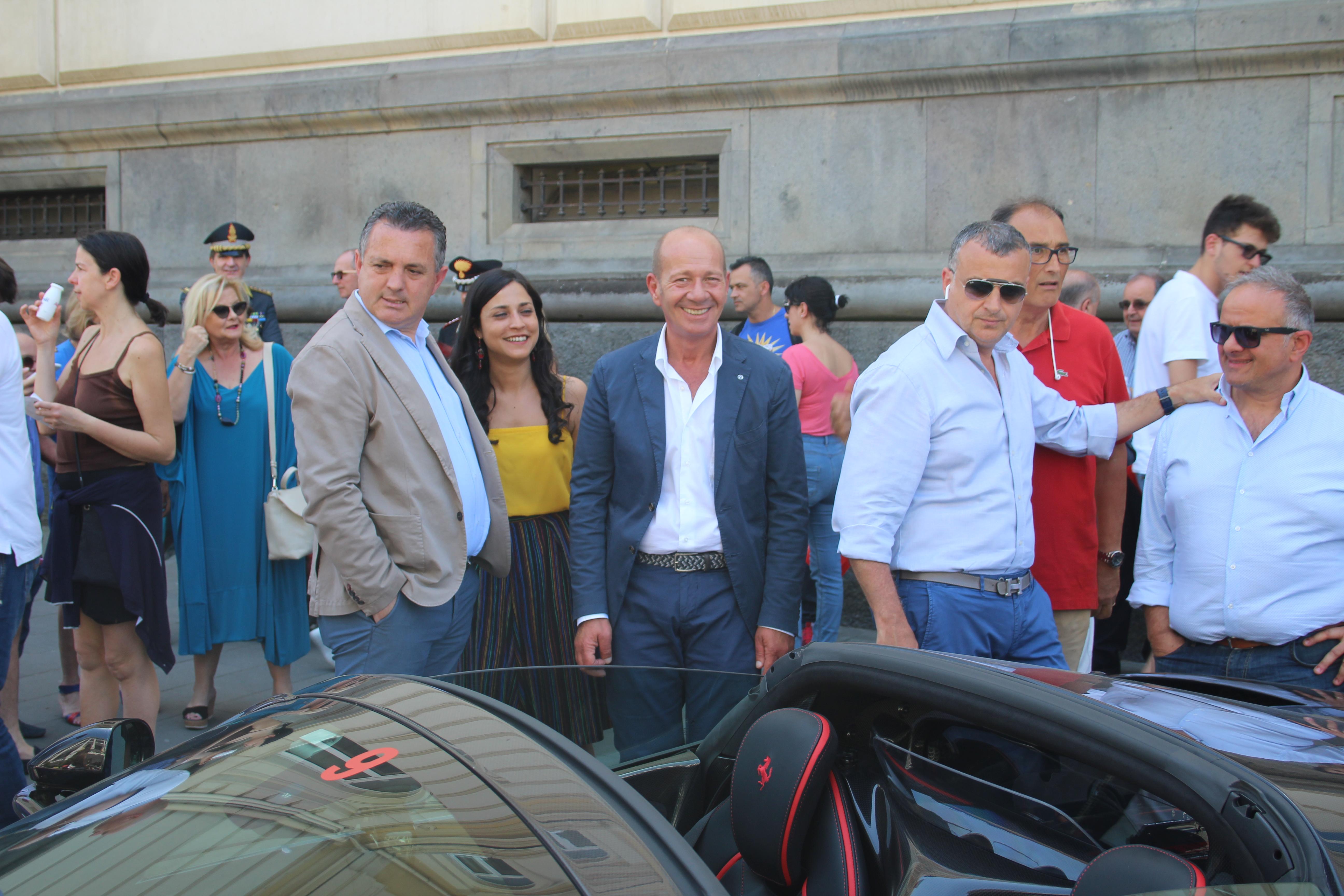 """Il Presidente della Provincia Di Maria e la """"Ferrari Cavalcade"""""""