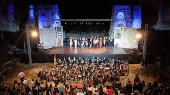 Teatro Romano,domenica 23 Giugno Laboratorio Coreografico Cléopâtre.