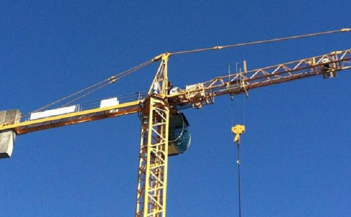 Entro il 10 luglio verrà smontata la gru a torre installata in via Galanti