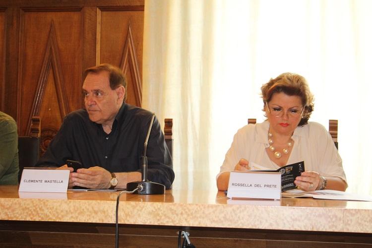 """Dopo la sentenza del Tar Campania, da domani riapriranno altre due classi della Scuola Primaria.Del Prete: """"ci avviamo verso la normalità"""""""