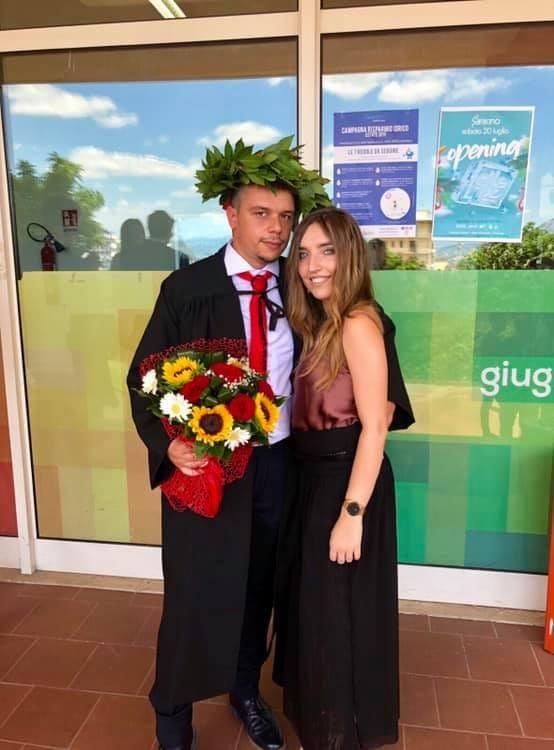 Si laurea in Giurisprudenza Giovanni Colucci.
