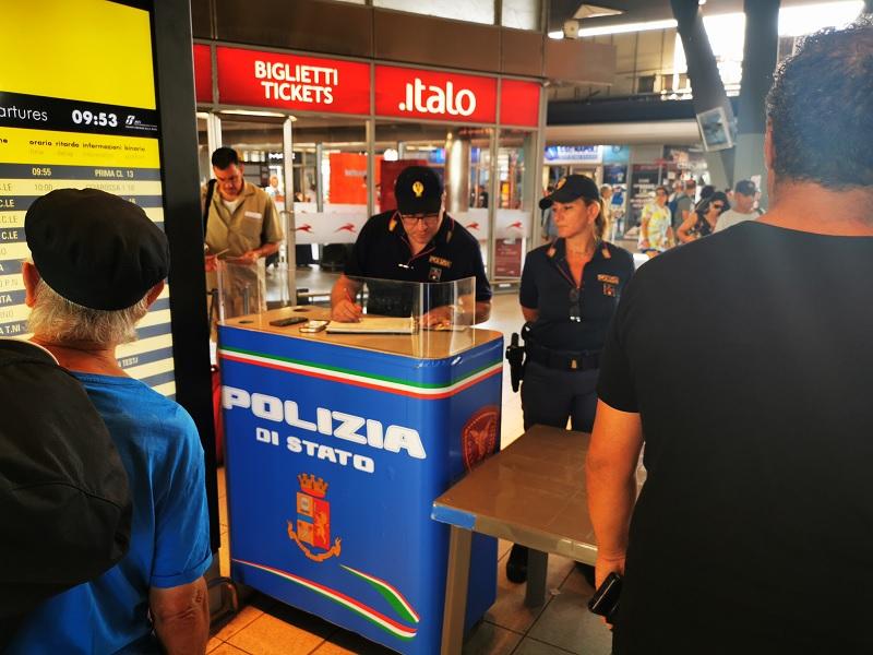 Ferragosto: controlli straordinari della Polizia di Stato nelle stazioni ferroviarie della Campania.