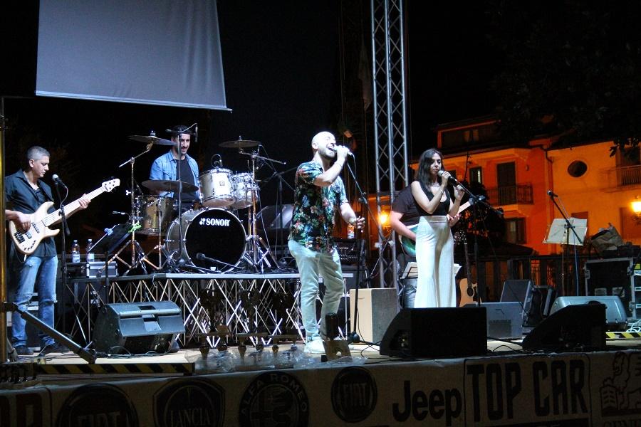 """Serata finale del """"Cereris Ara"""", kermesse musicale dedicata ai cantani dilettanti. Vincono Alberto Vele e Chiara Ferrara"""