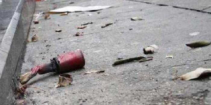 Scoppia un petardo inesploso in un campo sportivo.Ferito 47enne mentre fa jogging
