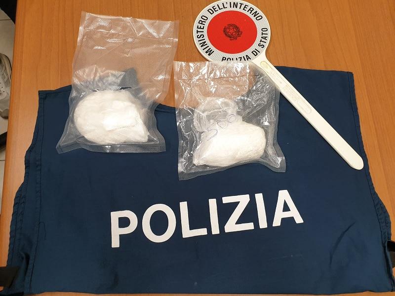 Arrestati due pusher dalla Squadra Mobile. Trasportavano più di 270 grammi di cocaina
