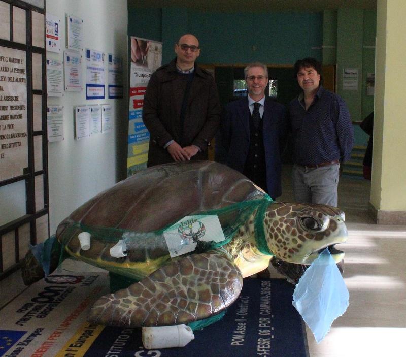L'istituto Alberti di Benevento in campo per l'ambiente contro l'inquinamento marino