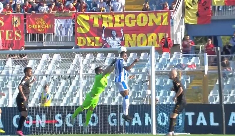 Irriconoscibili !  Un brutto Benevento perde a  Pescara  per 4 reti a zero