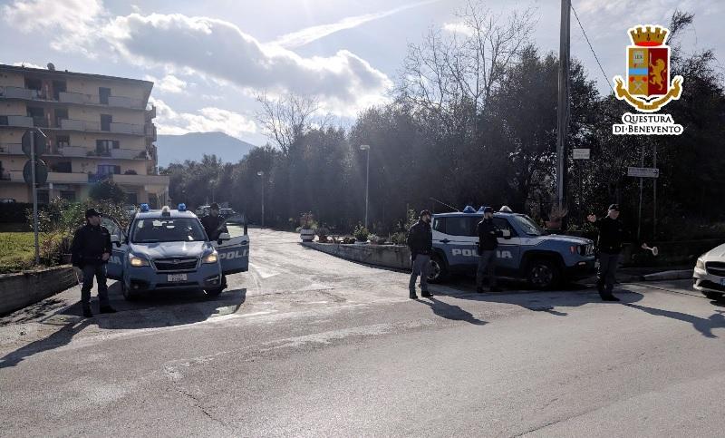 Polizia. Controlli straordinari nella Valle Telesina:denunciate due persone per porto abusivo di armi.