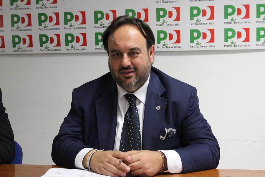 """Carmine Valentino (Pd) : """"Apprendiamo, onestamente senza sorpresa alcuna, del ritiro delle """"irrevocabili"""" dimissioni del sindaco"""""""