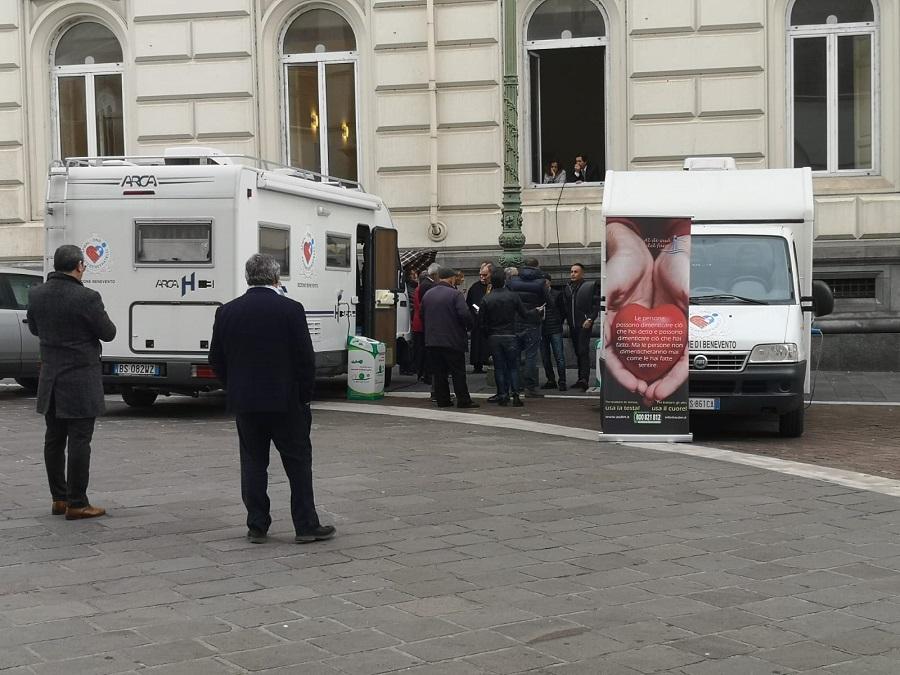 Benevento. Camper in Piazza per la Giornata del Diabete, i cittadini ringraziano