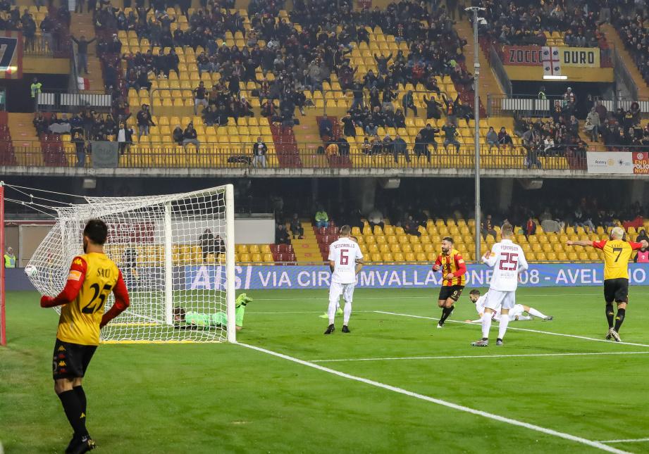 Troppo forte il Benevento per gli avversari. Benevento 5 Trapani 0