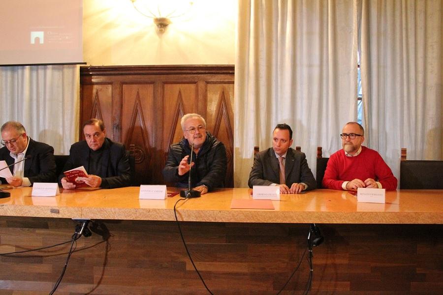"""""""A Sud del Polo"""". Martina Stella inaugura il Natale a Benevento"""