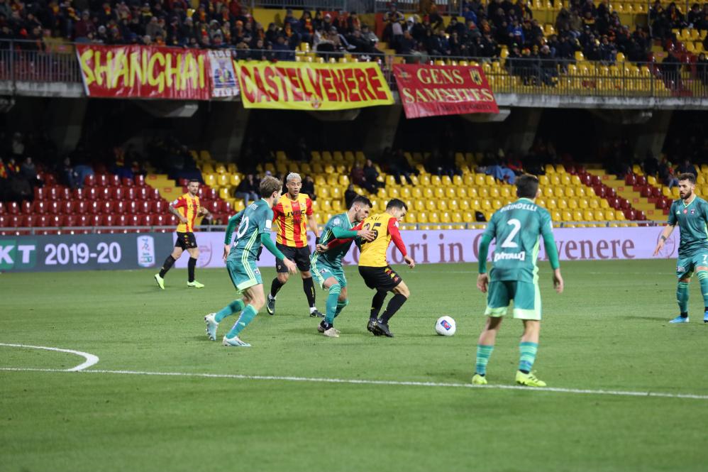 Il Pisa si conferma bestia nera del Benevento e blocca i giallorossi sull'1 a 1