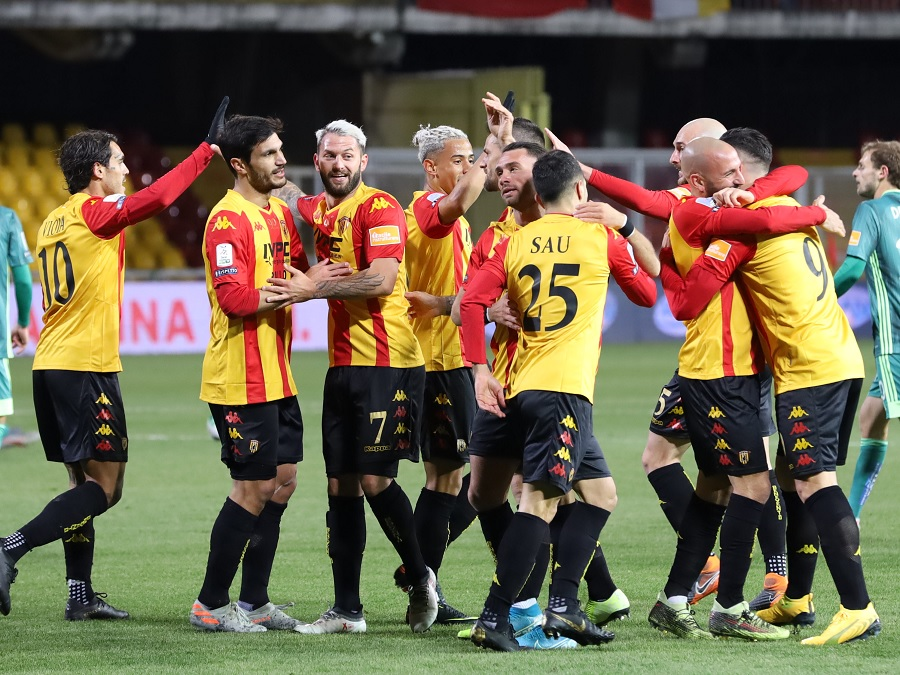 Ancora una giornata pro-Benevento. Salgono a 16 i punti di vantaggio sulla terza.