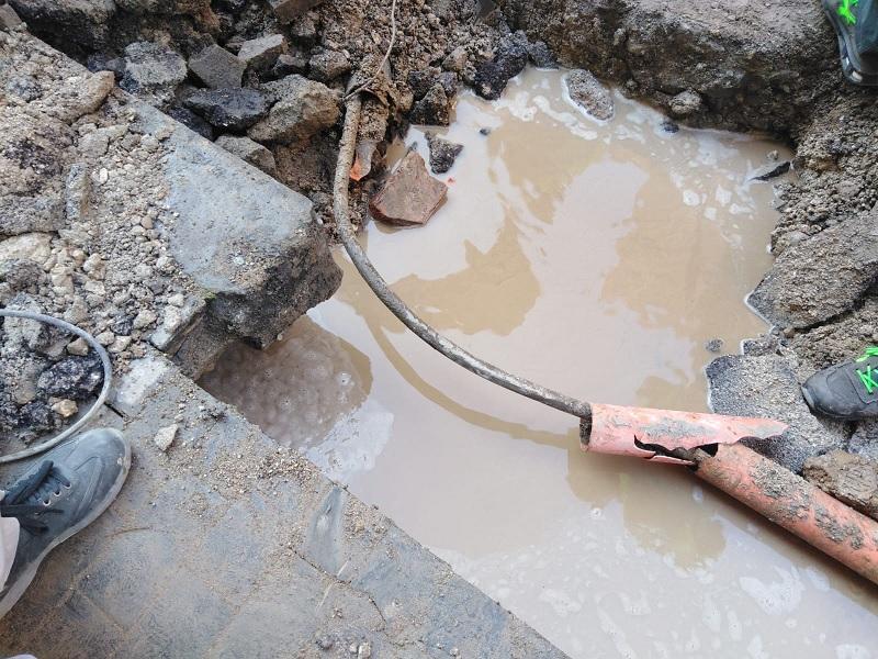 La Gesesa ancora al lavoro per ripristinare l'interruzione idrica in Via Ennio Goduti.