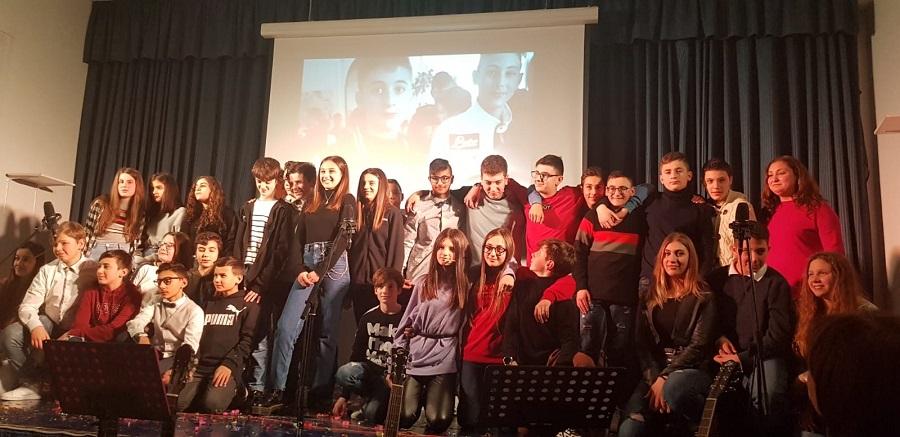 """Teatro sperimentale a Foglianise. I ragazzi della scuola media: """"Ascoltateci, se volete capire le nostre emozioni"""""""