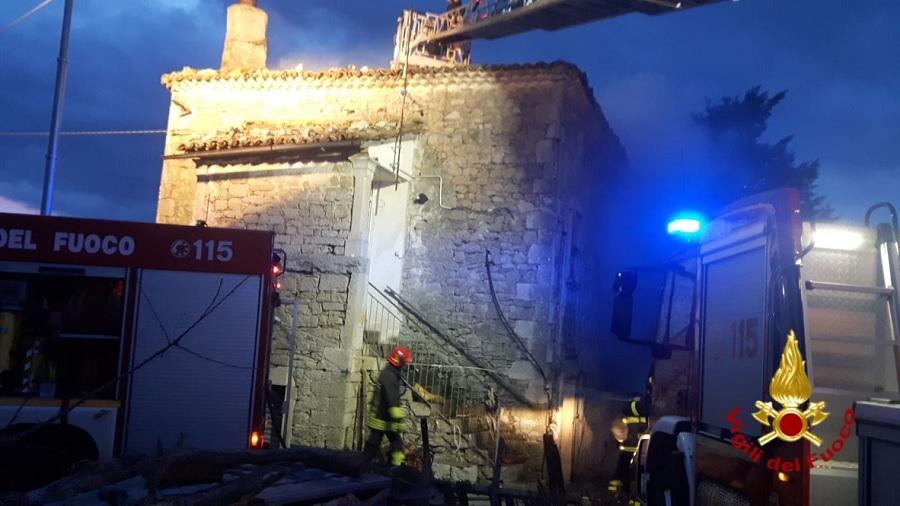 Vigili del Fuoco all'opera per incendi nel Sannio