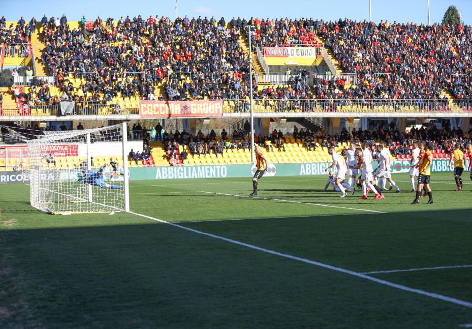 Il Benevento batte anche il Pordenone e fa un'altro passo verso la A